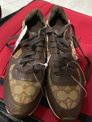 🚚 Coach經典Logo球鞋(8.5號)