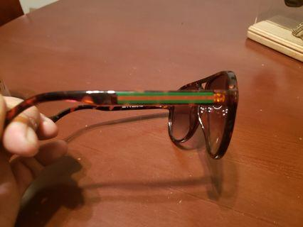 Gucci shades mint condition