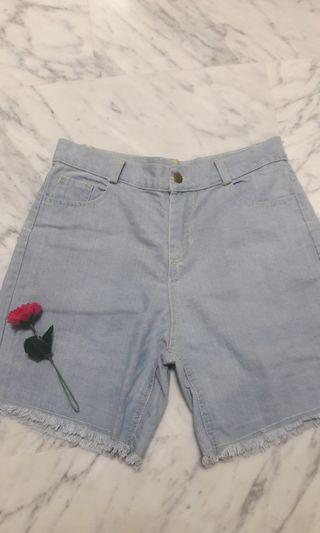 🖤New Light Denim Shorts