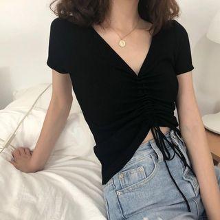 Black crop top tee t shirt tshirt instock