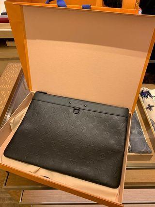 Louis Vuitton LV clutch bag pouch 手拿包