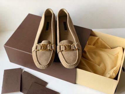 Authentic Brand New Louis Vuitton Brown Signature Women Loafer