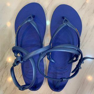 🚚 Havaianas 哈瓦仕 藍色 平底羅馬涼鞋 37/38