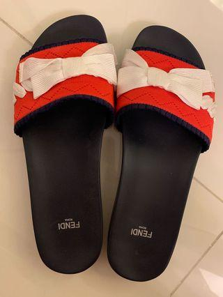🚚 Fendi Sandals