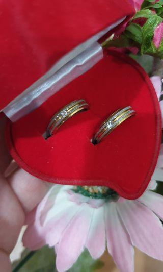 Cincin titanium sepasang plut kotak cincin