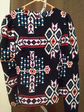 Baju motif tribal