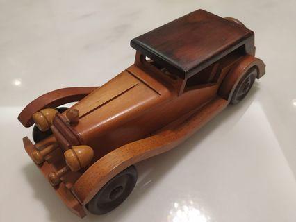 年代物木制老爺車