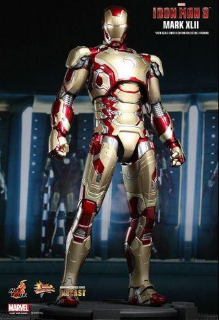 🚚 Hot Toys Iron Man Mark 42