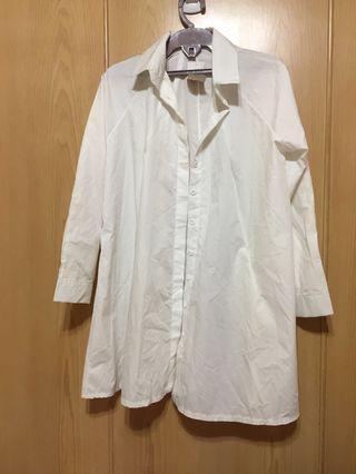 🚚 長版傘狀白襯衫