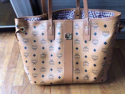 Premium * MCM Liz tote bag