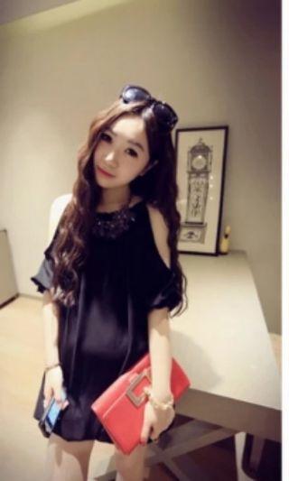🚚 Brand New Black off shoulder Top fit S or M size