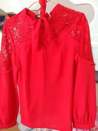 鮮紅色花紋通花蝴蝶結長袖上衣