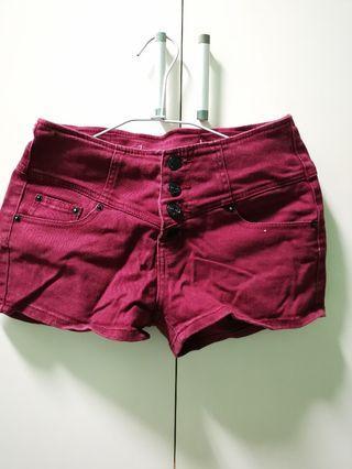 🚚 酒紅色 四排扣 高腰 短褲