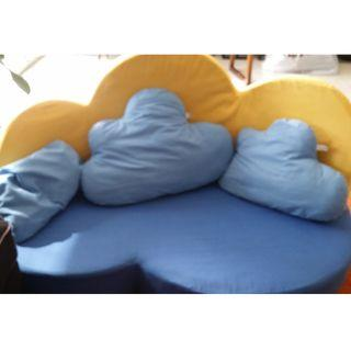 PRICE CUT THIS WEEKEND ONLY (RP >$1000)! Children's sofa