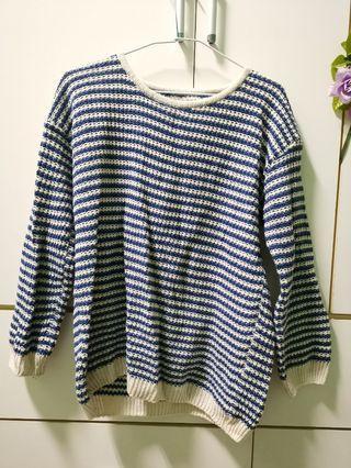 🚚 藍白色 條紋毛衣