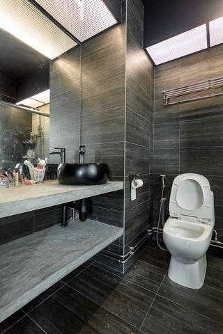 Toilet Full Reno Hacking + Tiling Get the Professional do the job