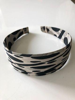 Beautiful Mono Tone Silk Hairband