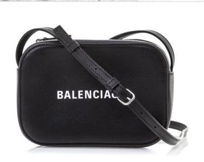 Balenciaga Every Day Camera  小牛皮XS 斜背包 黑