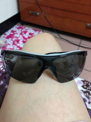🚚 Uvex太陽眼鏡