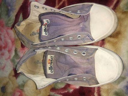 Sepatu Ellese