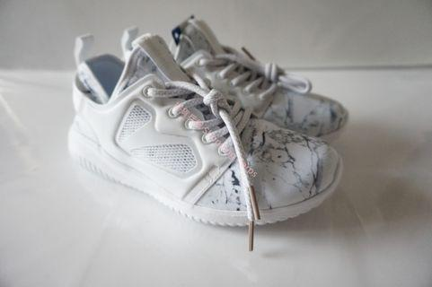 全新現貨Reebok SKYCUSH Evolution MET女裝運動鞋 US5