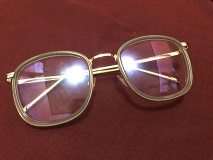 Kacamata Gold Mint