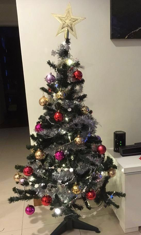 4ft Christmas Tree + Lights + Accesories