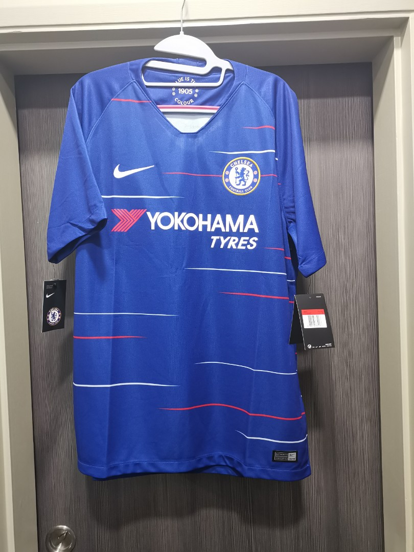 new style 239c5 eed45 Authentic Brand New Nike Chelsea football jersey *Exclusive*