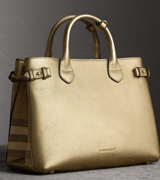 d469b9249d26 Burberry Bag - Medium Banner in Leather and House Check