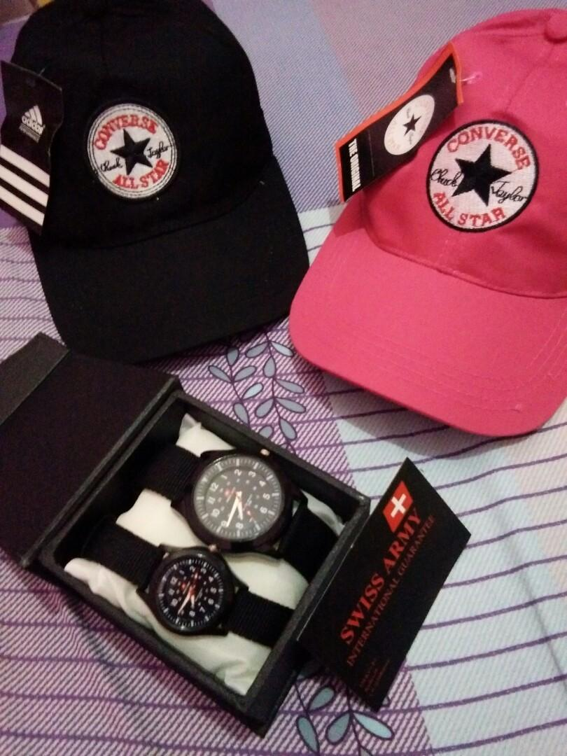 Jam couple dan topi couple