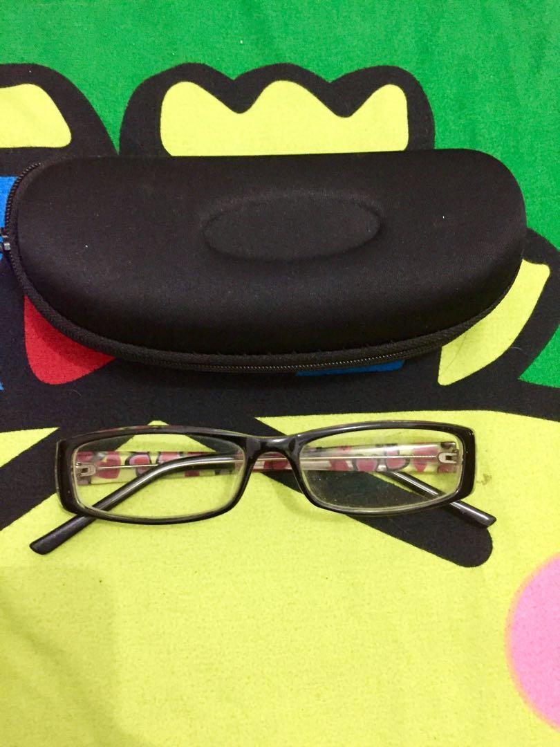 Kacamata minus 1 motif love