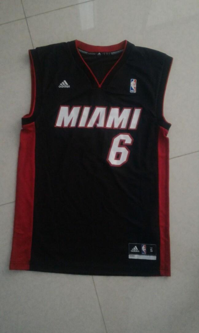 big sale 61b06 3b4b2 LeBron James Miami Heat jersey, Sports, Sports Apparel on ...