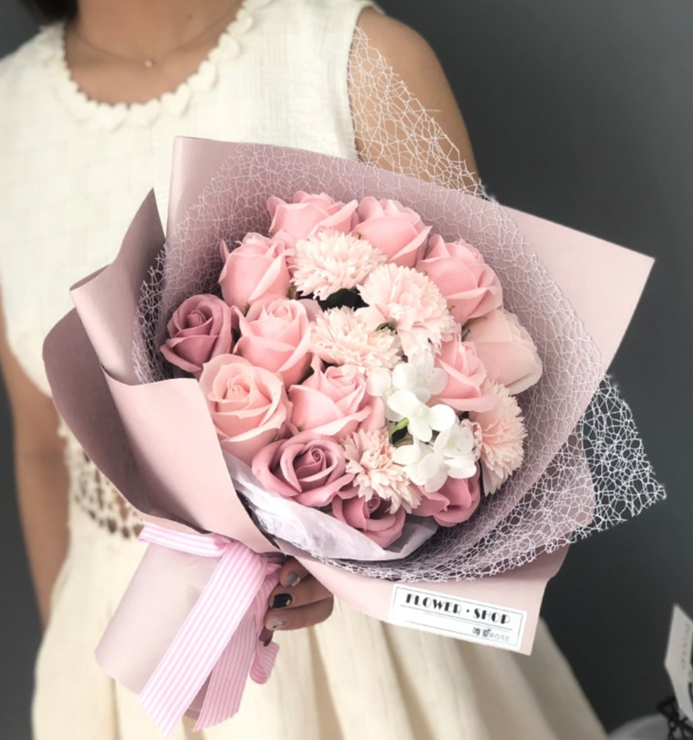 Mix Soap Carnation Roses Flower Bouquet Valentine S Day Anniversary Birthday Mother S Day Get Well Gardening Flowers Bouquets On Carousell