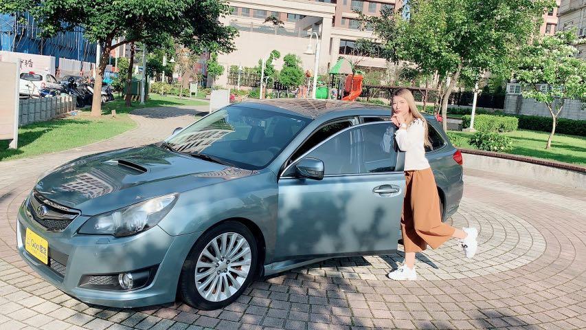 Subaru Legacy 2010 2.5 淺灰