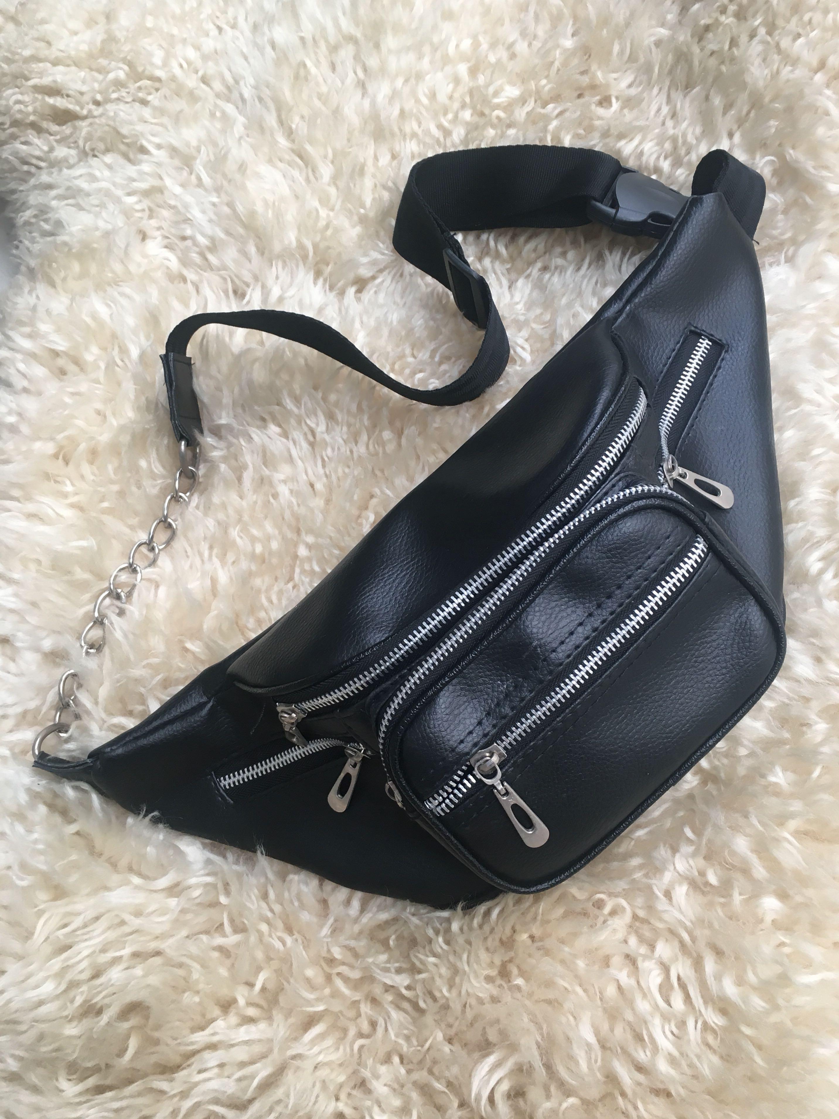 Waist Bag Hitam