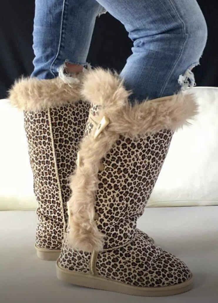 Women's size 6 leopard print ugg boots generic brand