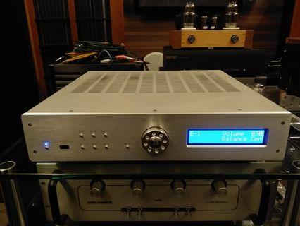 Krell S-300i integrated amplifier 150w/c