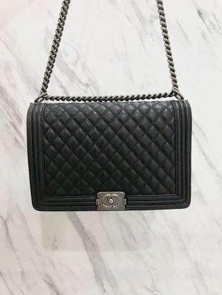 MIRROR Highest Grade chanel boy caviar, perfect condition