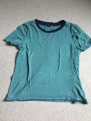 Urban Outfitters size XS t-shirt