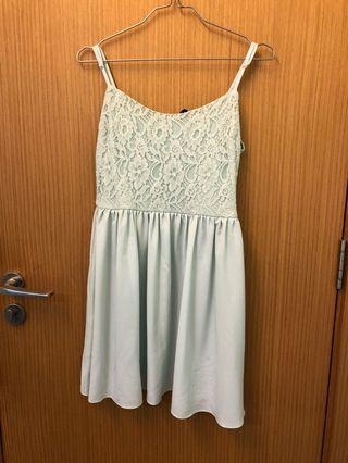 H&M dress light green