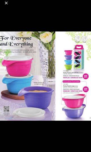 Tupperware pastel set
