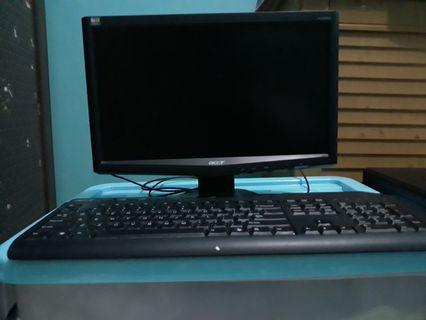 Dijual cepat satu set Computer merk ACCER kondisi normal