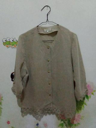 Blouse vintage cream