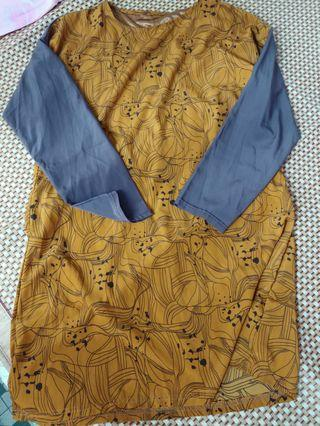 泥黃色花花不規則圖案灰色袖長袖上衣/連身裙