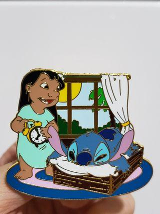 Disney stitch & Lilo with alarm clock waking up LE pin 史迪仔徽章