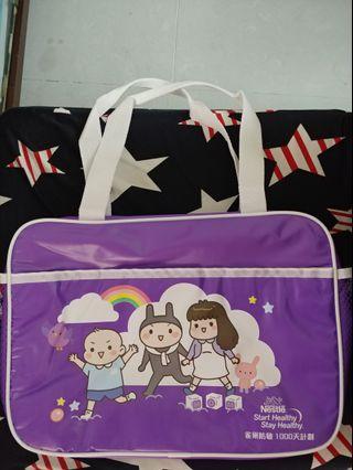 Nestle雀巢紫白色立體媽媽袋/奶粉袋/實用袋/走佬袋