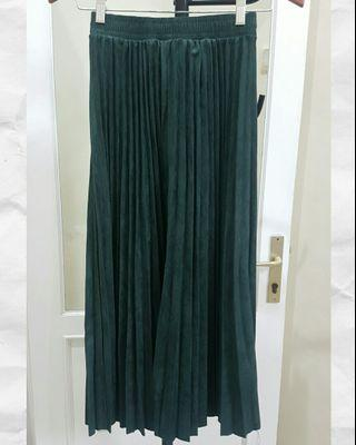 Pleated Skirt suede