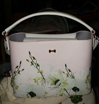 Ted Baker 手袋