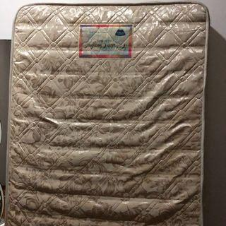 Single spring mattress