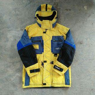 Jaket waterproof jaket gunung jaket outdoor jaket second